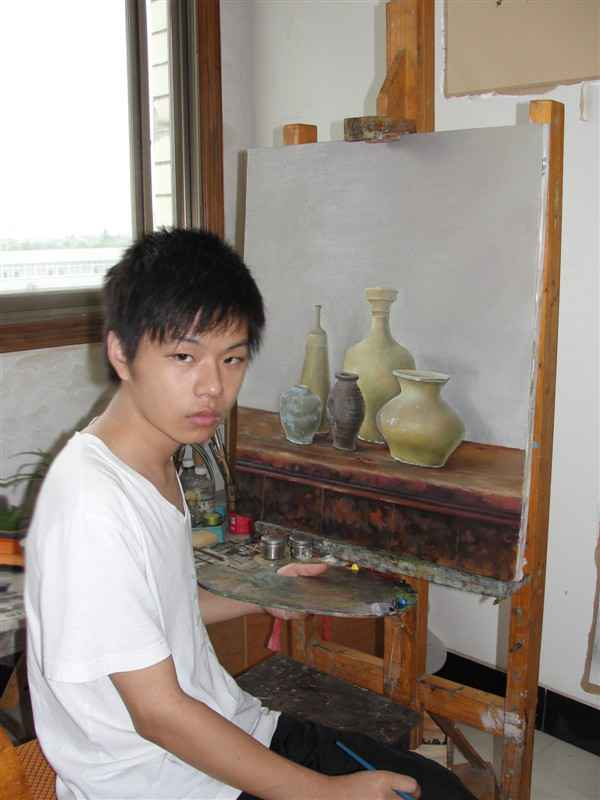 Yang Yiliang in his Studio (c) Yang Yiliang